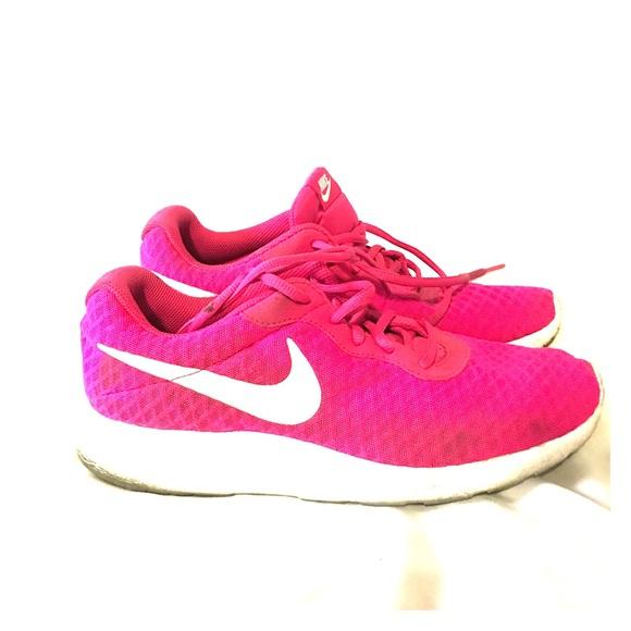 Nike Shoes   Womens Sneakers Nike Size